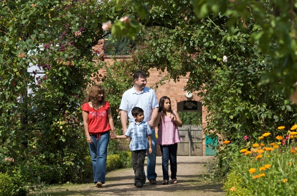 Walled garden family
